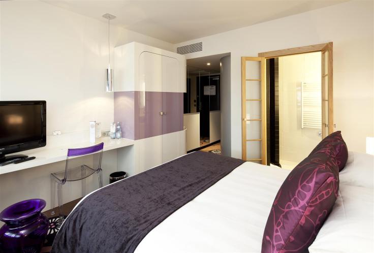 93765_004_guestroom